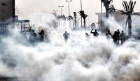 الامن يفتح طريق البقعة - صويلح باستخدام الغاز المسيل للدموع