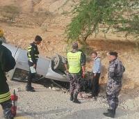 3 إصابات بحادث تدهور على طريق الموجب