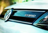 """ملحس : ضريبة سيارات """"الهايبرد """" خطأ مطبعي"""