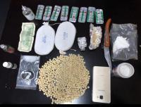 ضبط مروج مخدرات في السلط وبحوزته كمية كبيرة منها