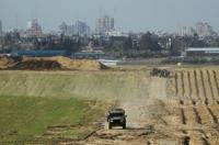 غزة: توغل إسرائيلي وإطلاق نار على الصيادين والمزارعين