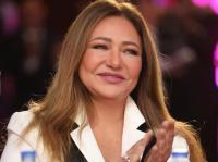 """ليلى علوي تخطط لاستقبال 2020 بهذا """"اللوك"""" - فيديو"""