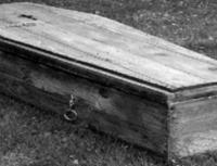 تظاهر بالموت كي يهرب من زوجته