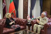 رئيس هيئة الأركان يستقبل السفيرة اللبنانية