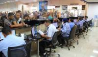 الإحتلال يمنع سفر 57 فلسطينياً عبر معبر الكرامة
