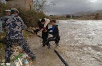 إخلاء 55 طالبا حاصرتهم مياه الأمطار في الأغوار الجنوبية