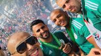 الجزائريون يستقبلون أبطال إفريقيا بحفاوة - فيديو