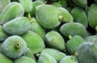 اللوز الأخضر مفيد لقلبك ووزنك