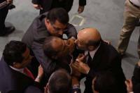 """الاردنيون عندما يكشفون """"كذب"""" الحكومة والنواب .. سورية مثالاً"""