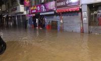 بعد غرق عمان ..  انتقادات تمطر الأمانة وأمينها