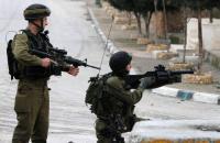 إصابة شاب فلسطيني برصاص الاحتلال