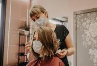 تساقط الشعر يضاف إلى الآثار الجانبية طويلة الأمد للكورونا