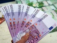اليورو ينخفض قبيل محادثات تجارية أمريكية صينية