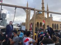 لبنانيون يدعون لانتفاضة للإطاحة بزعمائهم