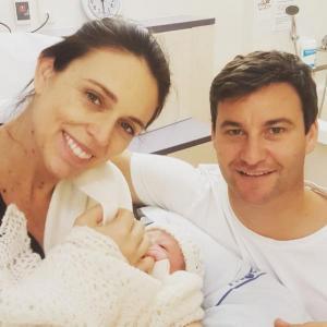 رئيسة وزراء نيوزيلندا تضع مولودتها الأولى