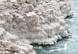 التنقيب عن املاح البوتاس قريباً في البحر الميت