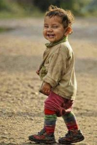 باحثون: الطفل الطيب يصبح فقير