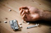 الامن يلقي القبض على 12 طالب جامعي يروجون المخدرات