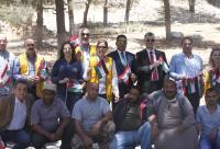 زراعة أشجار في مخيم عمان الدائم إحتفاء بعيد الاستقلال