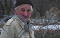 عجوز ترك منزله ليعود ويجده في دولة أخرى