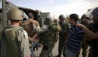 اعتقال 25 فلسطينيا بالضفة الغربية