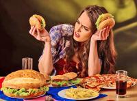 مخاطر تناول الطعام أثناء الغضب