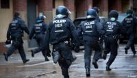 الشرطة الألمانية تداهم 11 مدينة للقبض على عصابة عربية