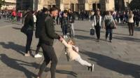 """البحث عن """"أب وابنته"""" ظهرا بصورة قبل حريق كاتدرائية نوتردام بلحظات"""