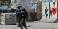 غزة : شبان فلسطينيون يقتحمون موقعا اسرائيليا