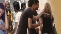 50 تلميذاً تحرشوا بمدرّسة بعد منعها لهم من الغش