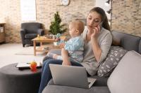 للأمهات ..  كيف تعملين عن بعد بوجودك أطفال؟