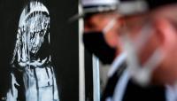 عودة جدارية المرأة المحجبة إلى فرنسا