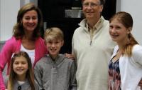 في أي سن سمح بيل غيتس لأطفاله بحمل الموبايل؟