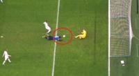 """لوكاكو يسجل هدفا """"غريبا"""" بالدوري الأوروبي - فيديو"""
