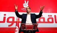 رئيس وزراء تونس يتفرغ للانتخابات الرئاسية