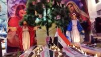 تضامنا مع محتجي العراق ..  أشجار الميلاد تتزين بصور الضحايا