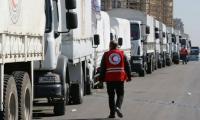 سورية: مسلحون ينهبون قافلة مساعدات ويوجهونها لمناطق النظام