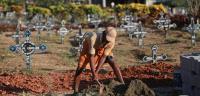 دفنوا المريض حيا