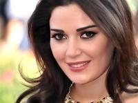كيف شاركت سيرين عبد النور بمظاهرات لبنان  - فيديو