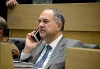 العدل تنتدب مديرًا للاتصال براتب كبير والوزير لا يجيب