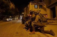 اعتقال 9 مواطنين بالضفة