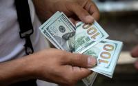 تراجع الدولار لأدنى مستوى في 3 أشهر