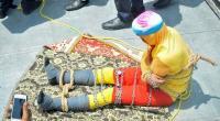 العثور على جثة ساحر هندي غرق أثناء قيامه بخدعة تحت الماء - فيديو