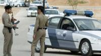 سعودي يقيد طليقته وأطفاله الخمسة بالسلاسل ويسجنهم