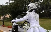 تغريم اماراتيين 10 الآف درهم بتهمة سب وقذف «عروس الدراجة النارية»