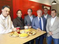 عائلة اردنية تملك سلسة مطاعم شهيرة باميركا