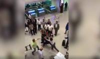 """""""معاكسة"""" تتسبب بفوضى كبيرة داخل مطار قرطاج ـ فيديو"""