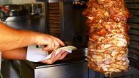 إيقاف 8 مطاعم شاورما احترازياً بالزرقاء