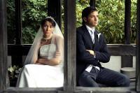 عروس تسرق اموال زوجها وتطلب الطلاق بعد تعليق على طعامها
