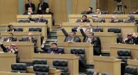 نواب يطالبون الحكومة بالتوقف عن الاقتراض